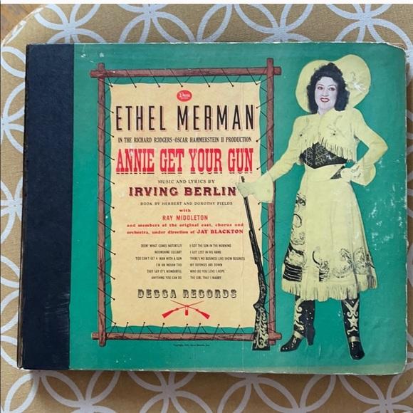 """Vintage """"ANNIE GET YOUR GUN"""" Ethel Merman Records"""